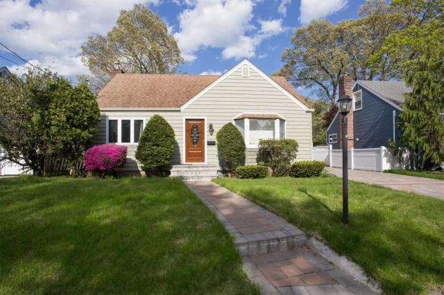 36 Pearsall Pl, Merrick, NY 11566 (MLS #3130999) :: The Lenard Team