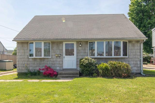 52 Briggs St, Hicksville, NY 11801 (MLS #3131120) :: Signature Premier Properties