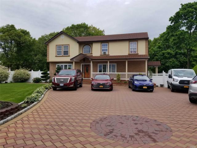 172 E Suffolk Ave, Central Islip, NY 11722 (MLS #3131514) :: Netter Real Estate