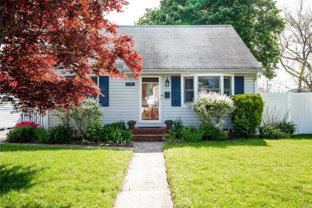 1741 Asharoken Blvd, Bay Shore, NY 11706 (MLS #3131553) :: Netter Real Estate