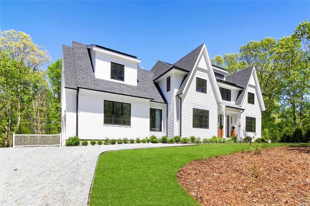 8 Old School House Ln, East Hampton, NY 11937 (MLS #3131561) :: Keller Williams Points North