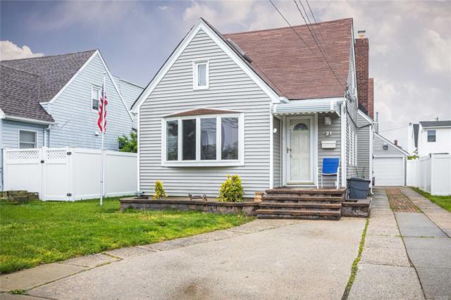 21 Dorothy Ct, Merrick, NY 11566 (MLS #3131798) :: Signature Premier Properties