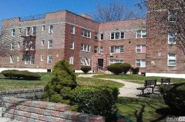 69-09 138 St 2A, Flushing, NY 11367 (MLS #3131843) :: Signature Premier Properties
