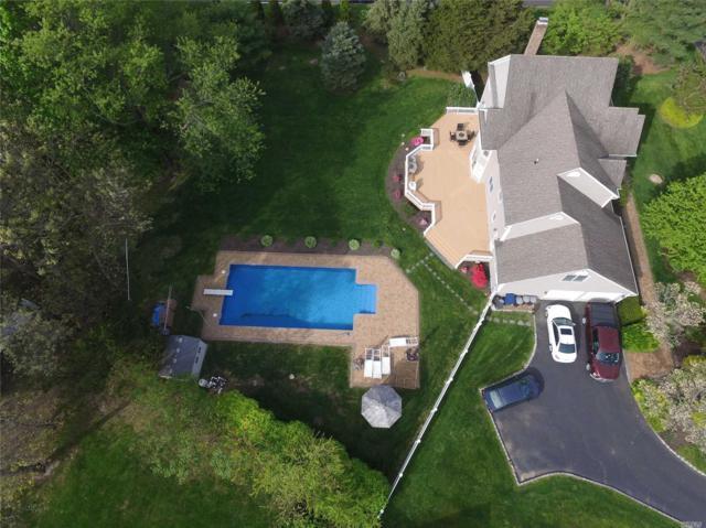 2 Sean Ln, Mt. Sinai, NY 11766 (MLS #3131891) :: Netter Real Estate