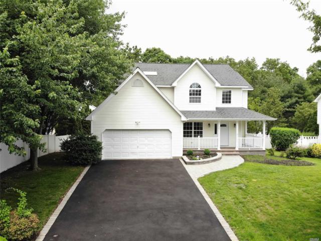 28 Long House Way, Commack, NY 11725 (MLS #3136748) :: Signature Premier Properties