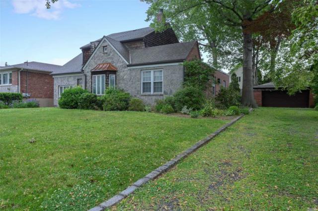 2-43 148th St, Whitestone, NY 11357 (MLS #3137157) :: Netter Real Estate