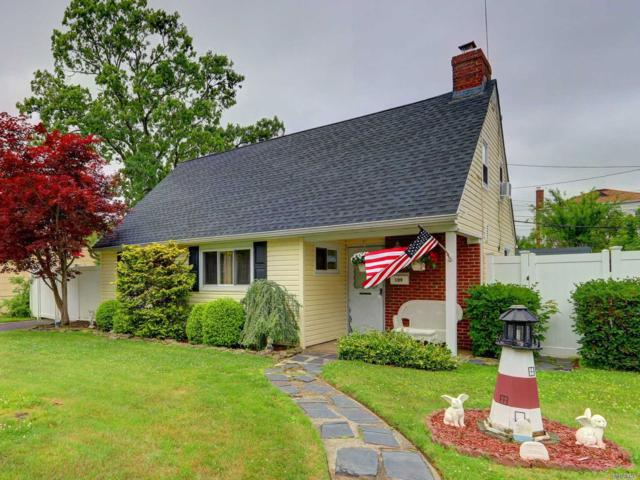 109 W Scudder Ave, Copiague, NY 11726 (MLS #3138888) :: Signature Premier Properties