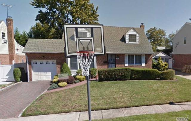 141 Betty Rd, East Meadow, NY 11554 (MLS #3139480) :: The Lenard Team