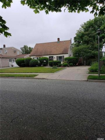 19 Crescent Ln, Levittown, NY 11756 (MLS #3139616) :: The Lenard Team