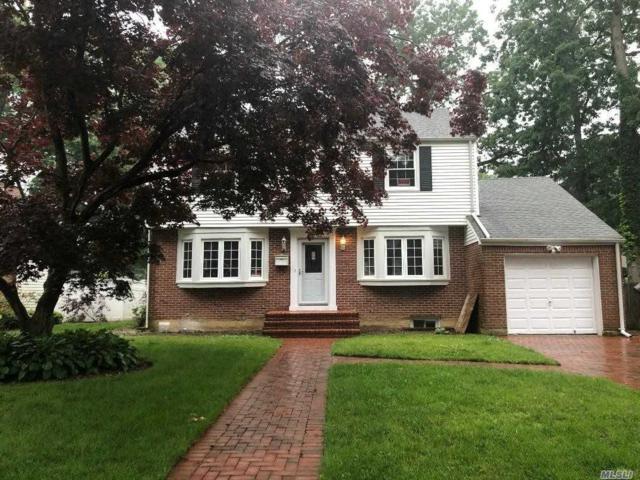 19 Chelsea Ct, Freeport, NY 11520 (MLS #3139805) :: Signature Premier Properties