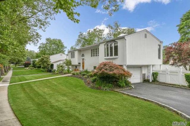75 Victor Dr, Elwood, NY 11731 (MLS #3140187) :: The Lenard Team