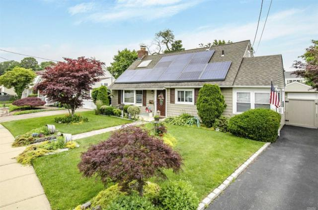 8 William St, Copiague, NY 11726 (MLS #3140342) :: Netter Real Estate