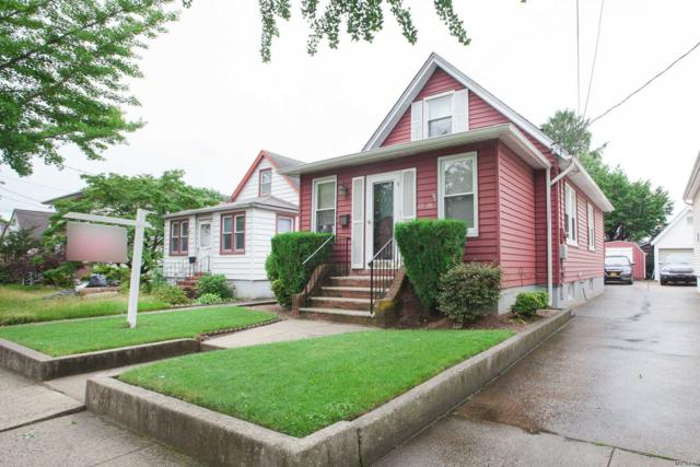 8526 263rd St, Floral Park, NY 11001 (MLS #3141285) :: RE/MAX Edge