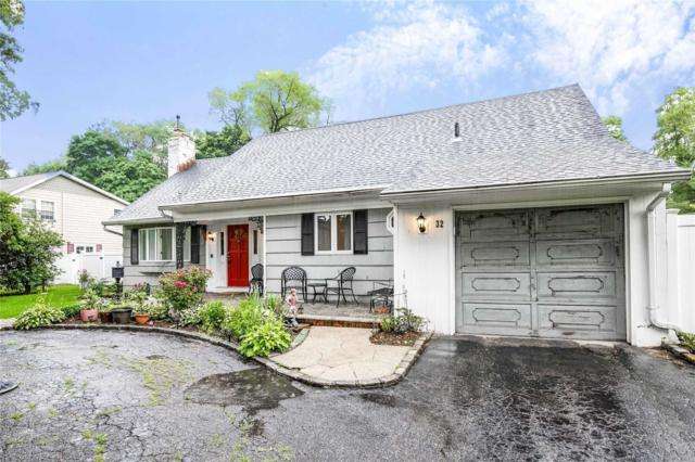 32 Robin Rd, Westbury, NY 11590 (MLS #3141963) :: Signature Premier Properties