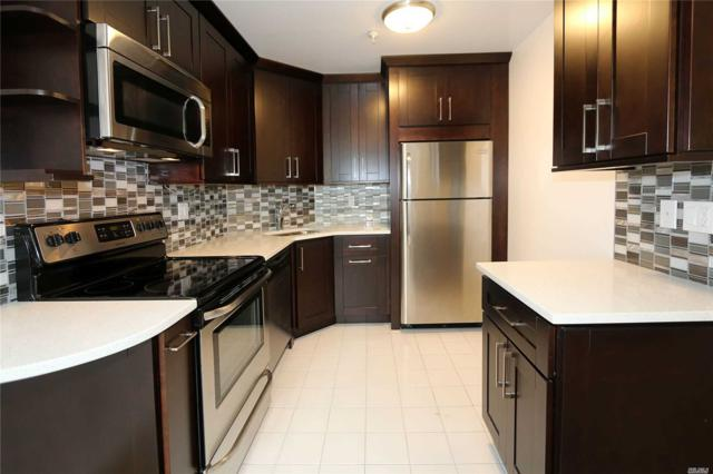 10 Canterbury Rd 1F, Great Neck, NY 11021 (MLS #3143865) :: Netter Real Estate