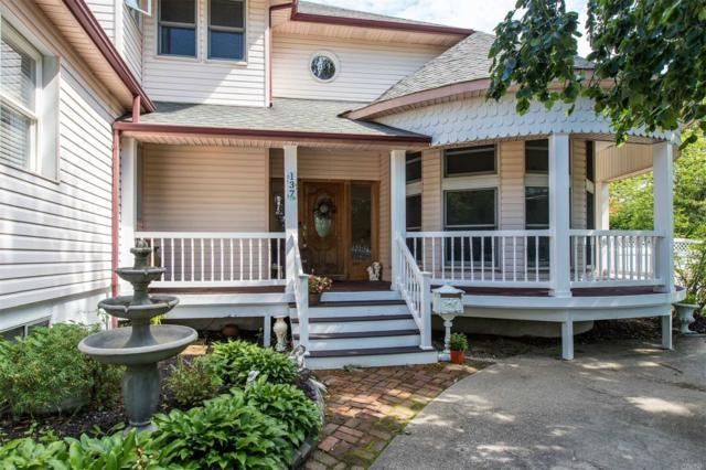 137 Woodland St, East Islip, NY 11730 (MLS #3145030) :: Netter Real Estate