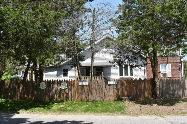 924 Greenlawn Ave, Islip Terrace, NY 11752 (MLS #3146239) :: Netter Real Estate