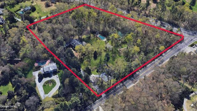 24 Wolver Hollow Rd, Upper Brookville, NY 11545 (MLS #3146802) :: Netter Real Estate