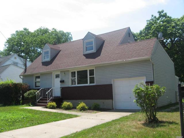 515 Lafayette Ave, Rockville Centre, NY 11570 (MLS #3147236) :: Signature Premier Properties
