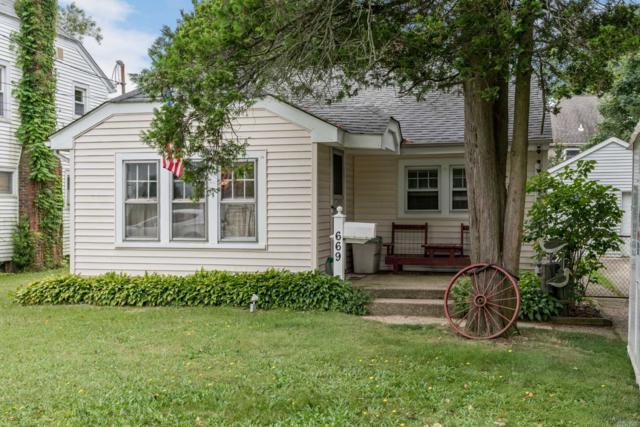 669 Merrick Ave, Merrick, NY 11566 (MLS #3147570) :: Signature Premier Properties