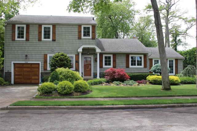 Merrick, NY 11566 :: Signature Premier Properties