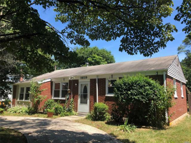 1619 N Thompson Dr, Bay Shore, NY 11706 (MLS #3148434) :: Netter Real Estate