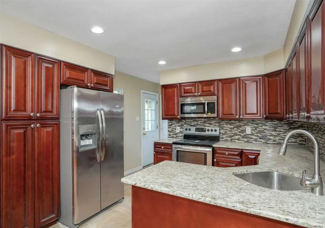 160 W 3rd St, Lake Ronkonkoma, NY 11779 (MLS #3148730) :: Keller Williams Points North