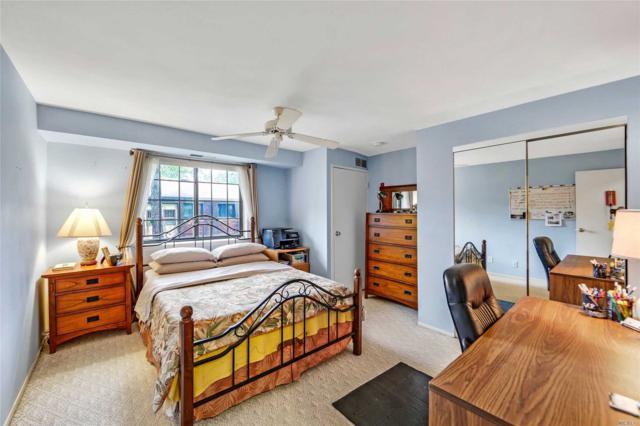 133 Newbrook Ln, Bay Shore, NY 11706 (MLS #3148742) :: Netter Real Estate
