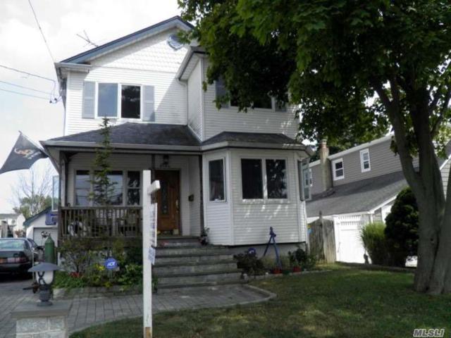 125 Forest Ave, Massapequa, NY 11758 (MLS #3149118) :: Netter Real Estate