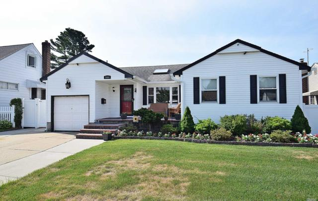 2084 Longfellow Ave, East Meadow, NY 11554 (MLS #3149125) :: Netter Real Estate