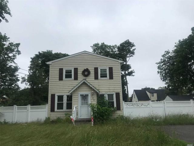 130 Smith St, Bay Shore, NY 11706 (MLS #3149384) :: Netter Real Estate