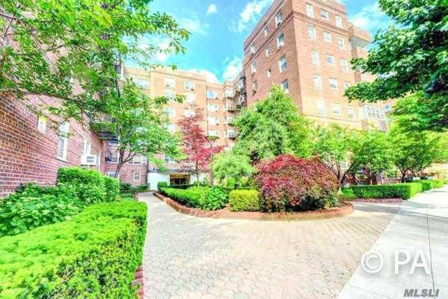 68-61 Yellowstone Blvd #216, Forest Hills, NY 11375 (MLS #3149493) :: Signature Premier Properties