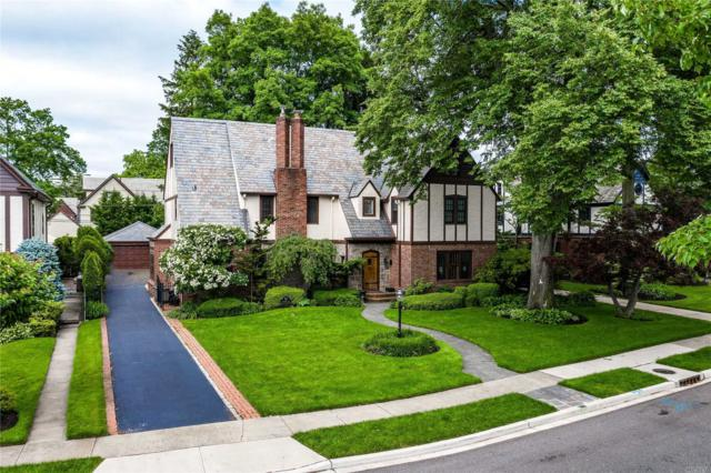 53 Stratford Rd, Rockville Centre, NY 11570 (MLS #3150964) :: Signature Premier Properties