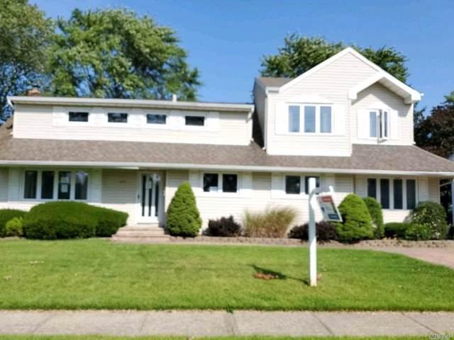 672 N Dyre Ave, West Islip, NY 11795 (MLS #3163872) :: Netter Real Estate