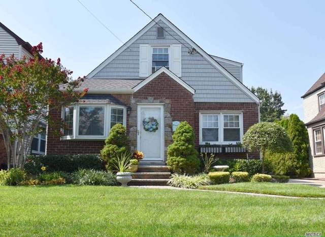 52 Locust St, Floral Park, NY 11001 (MLS #3164596) :: Signature Premier Properties