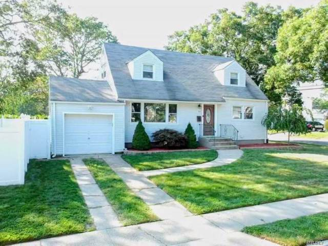 25 N Summit Dr, Massapequa, NY 11758 (MLS #3164619) :: Netter Real Estate