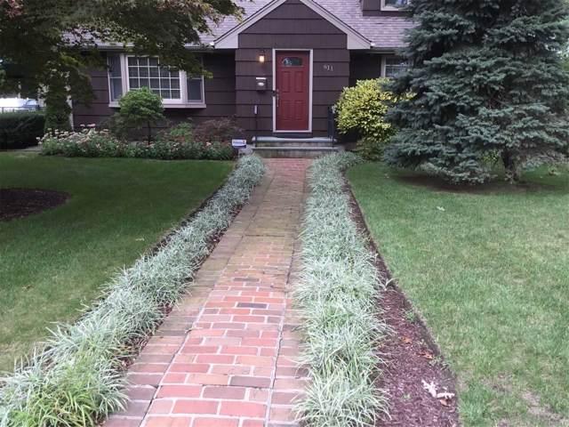 611 Asharoken Blvd, Bay Shore, NY 11706 (MLS #3164983) :: Signature Premier Properties