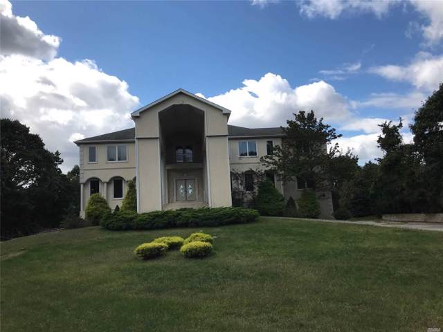 24 Old Neck Rd, Center Moriches, NY 11934 (MLS #3165031) :: Netter Real Estate