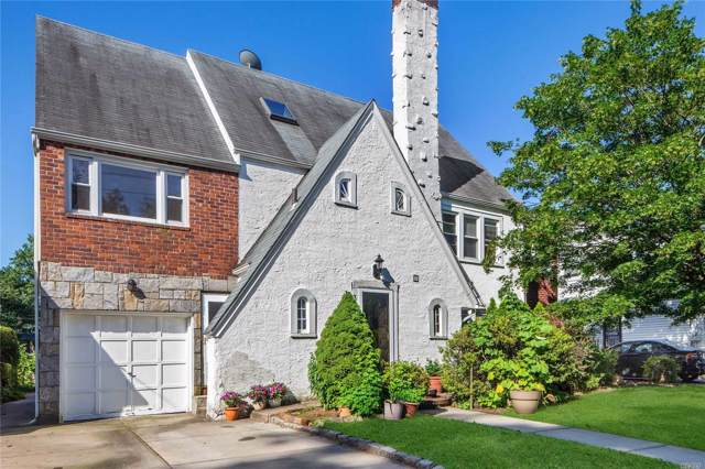 320 Tulip Ave, Floral Park, NY 11001 (MLS #3165192) :: Netter Real Estate