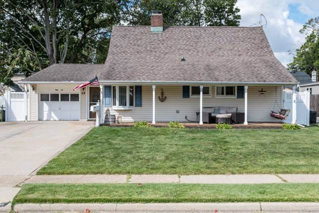 52 Tanager Ln, Levittown, NY 11756 (MLS #3166098) :: Keller Williams Points North