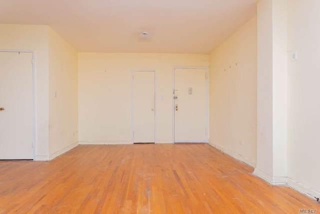 141-05 Pershing Cres #602, Briarwood, NY 11435 (MLS #3166423) :: Signature Premier Properties