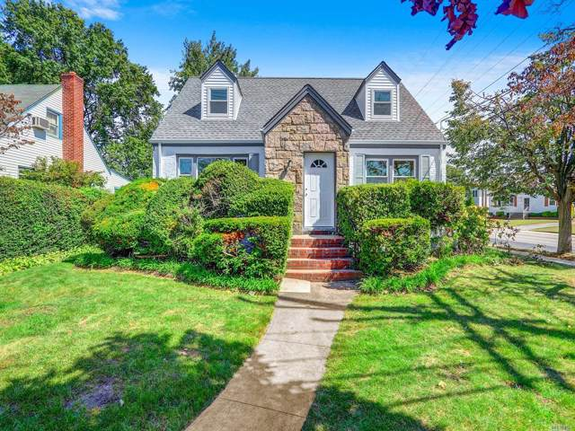 102 Linden Ave, Lynbrook, NY 11563 (MLS #3166646) :: Netter Real Estate