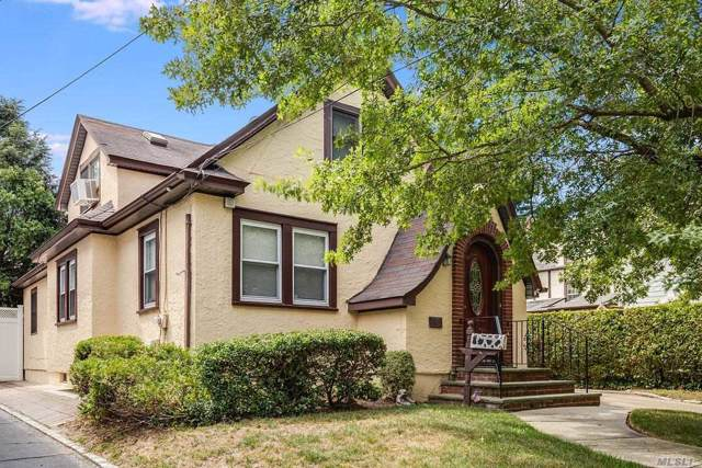 28 Ash St, Floral Park, NY 11001 (MLS #3168829) :: Shares of New York