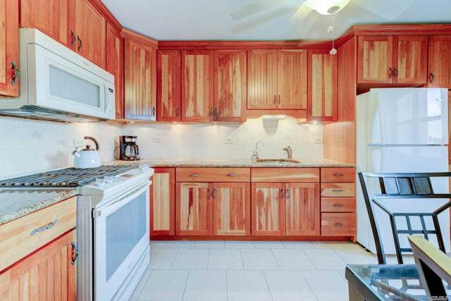 29-10 137 St 3A, Flushing, NY 11354 (MLS #3172698) :: Shares of New York
