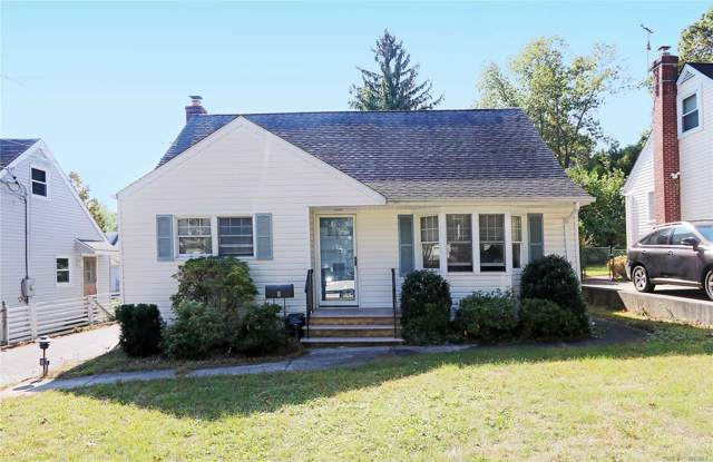 8 N Leech Cir, Glen Cove, NY 11542 (MLS #3172920) :: Netter Real Estate