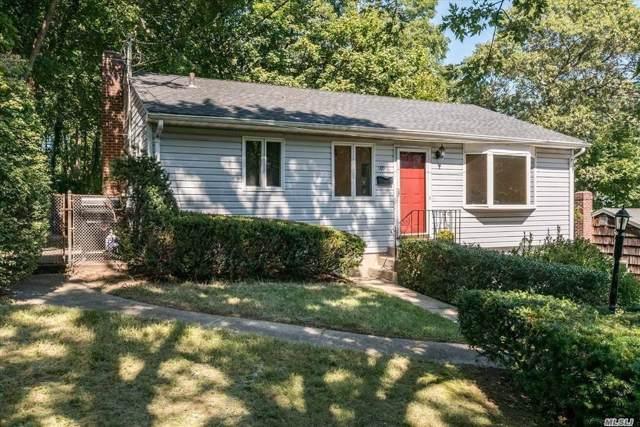 109 Oak St, Northport, NY 11768 (MLS #3173404) :: Signature Premier Properties