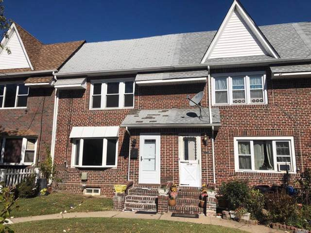161-27 84 Rd, Jamaica Hills, NY 11432 (MLS #3173942) :: Shares of New York