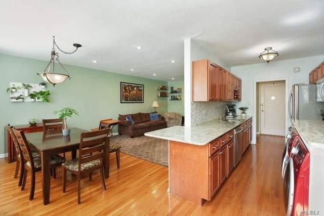 162-01 Powells Cove Blvd 3B, Whitestone, NY 11357 (MLS #3175033) :: Signature Premier Properties