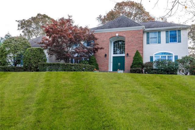 42 Hunting Hollow Ct, Dix Hills, NY 11746 (MLS #3179623) :: HergGroup New York