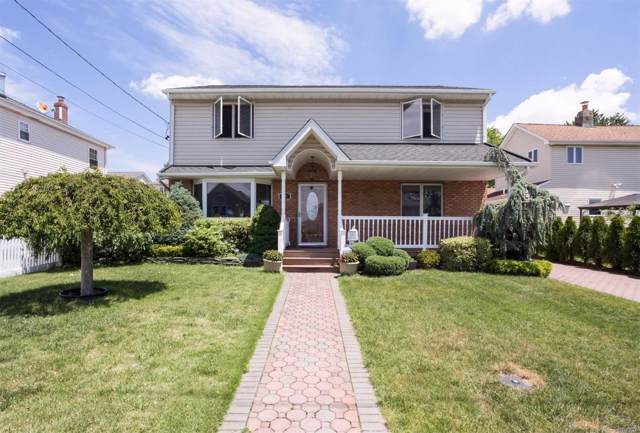 36 3rd Ave, New Hyde Park, NY 11040 (MLS #3179776) :: Signature Premier Properties